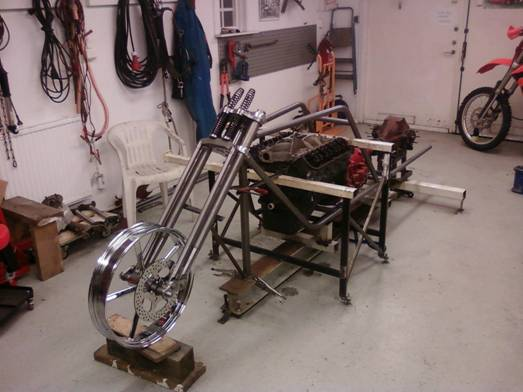 wolfgang_dieckhoff_ed_roth_trike_frame_with_invader_21_x_3.50_with_matching_rotor.jpg